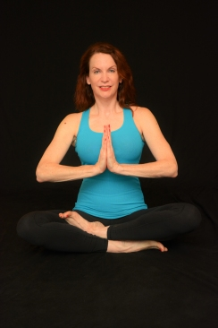 color yoga seated